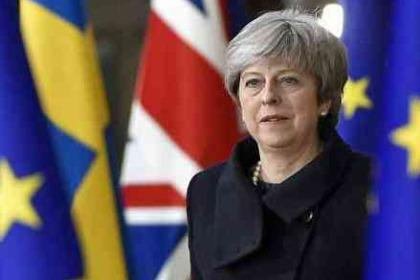 PM May Tunda Voting Brexit Di Parlemen, Pound Jatuh