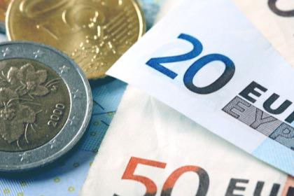 Outlook EUR/USD Jelang Data PMI Zona Euro Dan AS